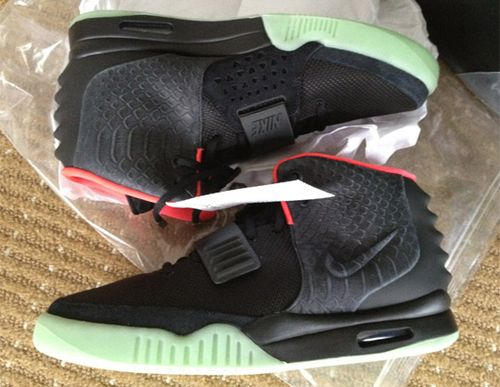 Nike-air-yeezy-2-sneaker-00